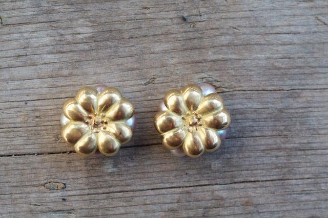 Image of Pearl Pod Earrings