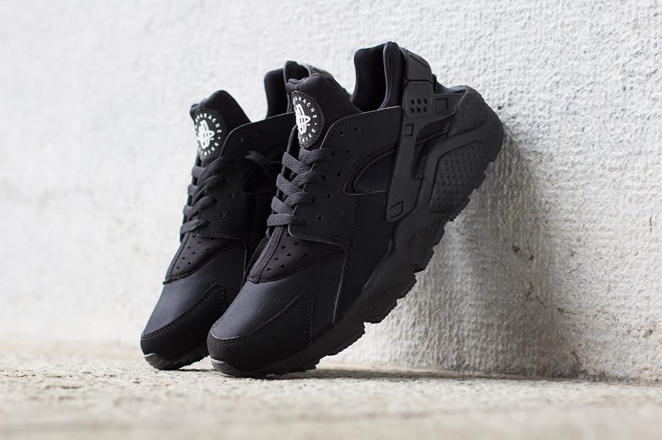 679ba3f064bc Nike Air Huarache Triple Black   Retro Super Kicks