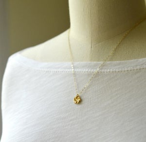 Image of Tiny hibiscus necklace gold