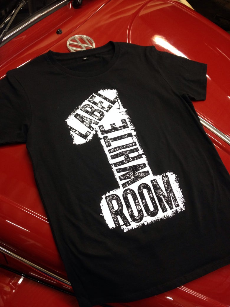 Image of LABEL WHITE ROOM LOGO TEE