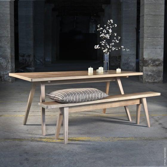 Image of Table BARAK