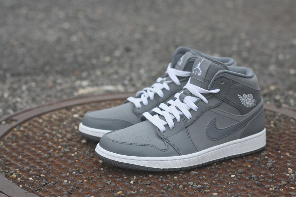 "Image of AIR JORDAN 1 MID ""COOL GREY"" 554724 014"