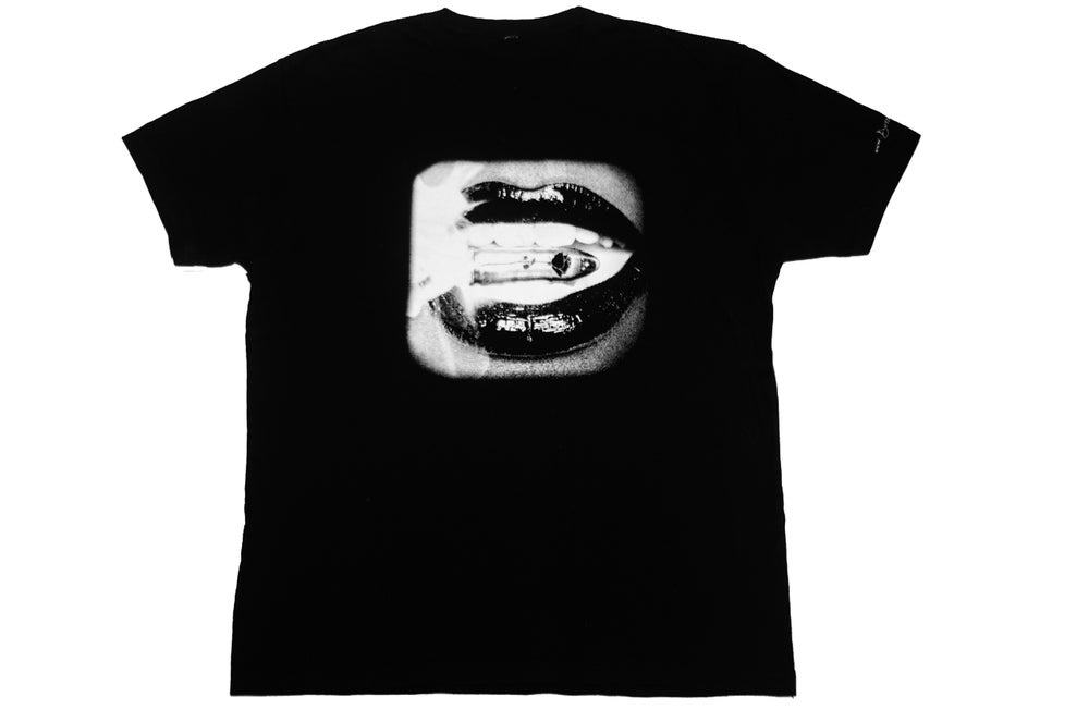 "Image of The ""Kiss Kiss"" T-Shirt"