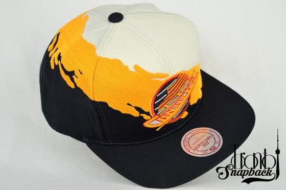 Image of VANCOUVER CANUCKS SPLASH MITCHELL & NESS SNAPBACK CAP