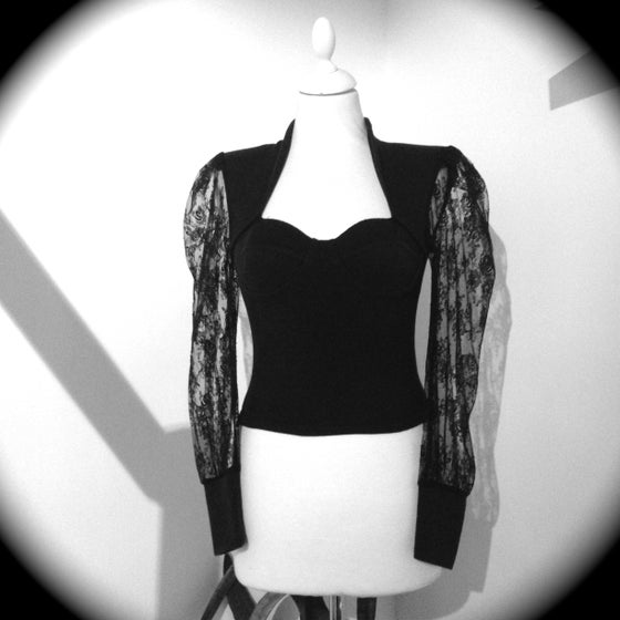 Image of Vintage Lace Sleeve Top