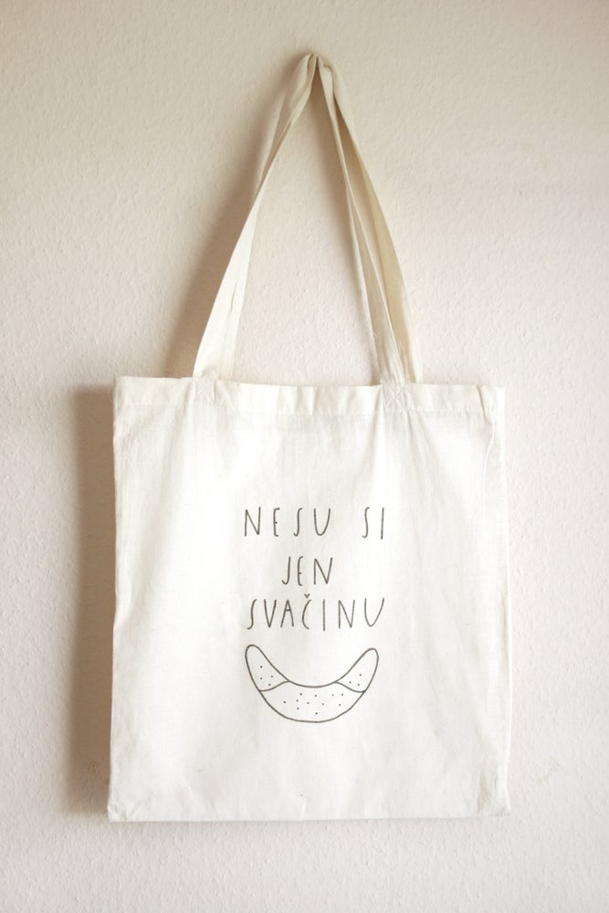 Image of nesu si jen svačinu // i carry only my snack
