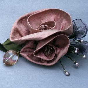 Image of L25   Mauve Roses