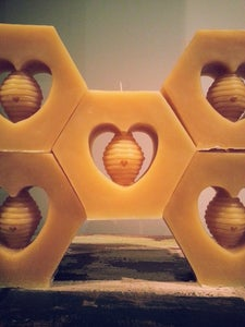 Image of Beeswax Candle: 12 Hour 3 Wick Sculpted