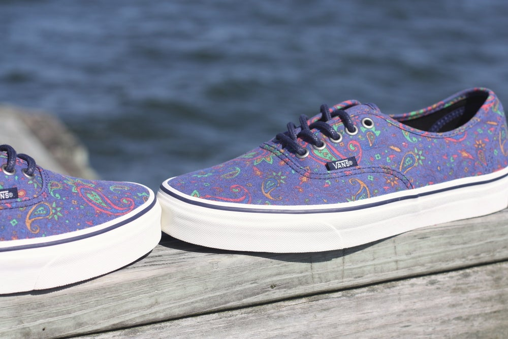 Image of VANS AUTHENTIC MEDIEVAL BLUE PAISLEY