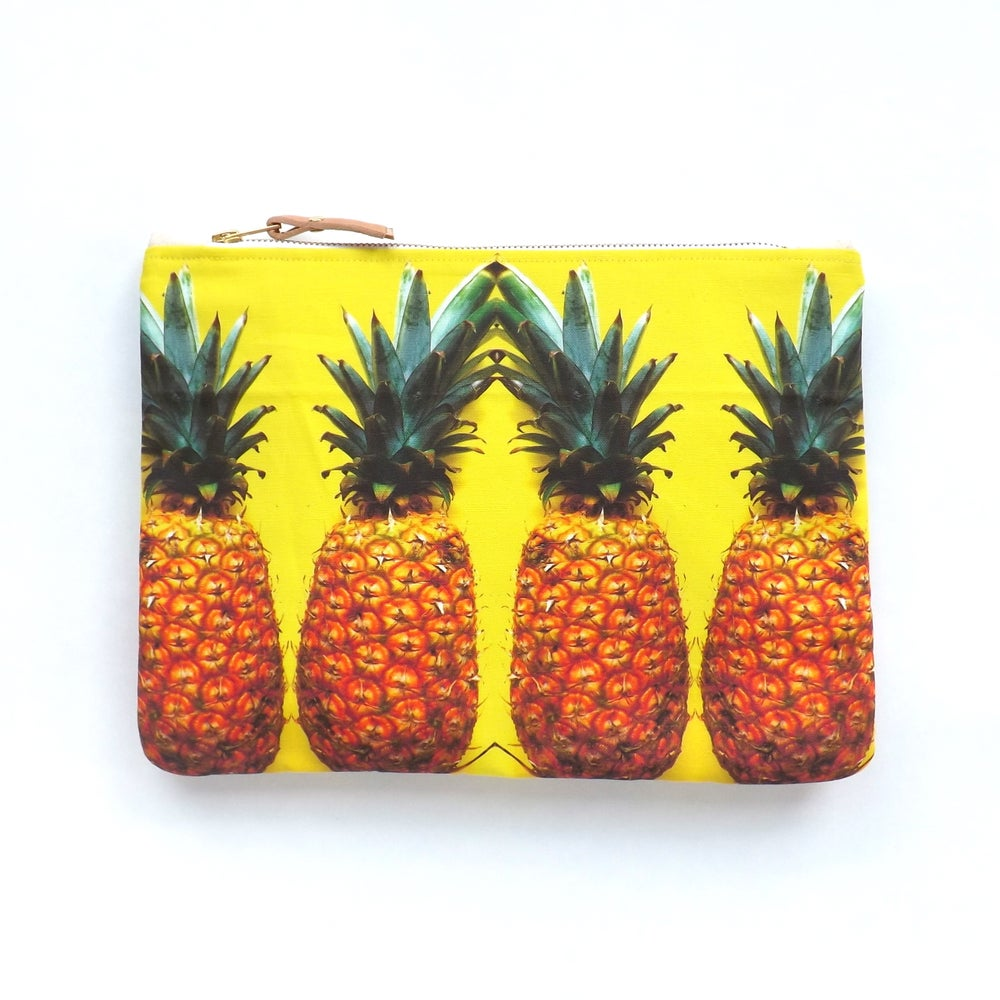 Image of Piña Pouch (more sizes)