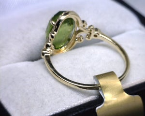 Image of 14K Yellow Gold Peridot / Diamond Ring