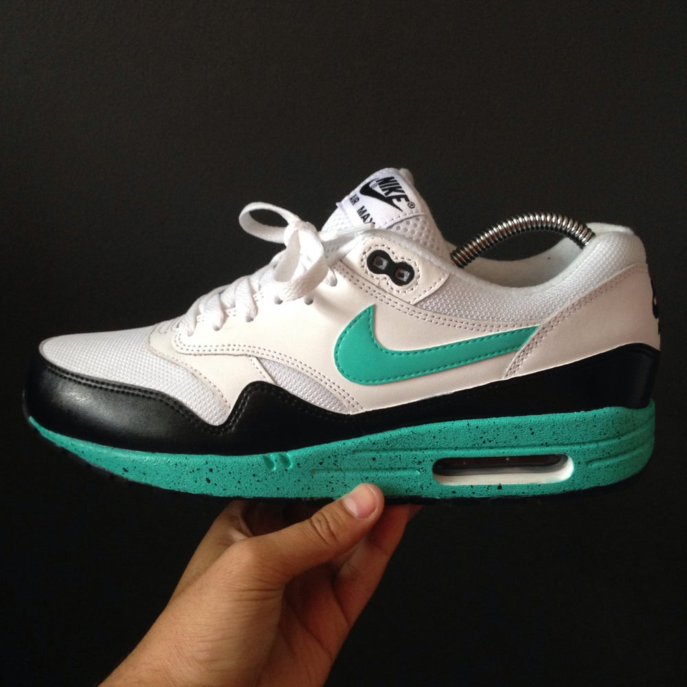 best service 61746 c09b1 Nike 'Air Max Tiffany Oreos'