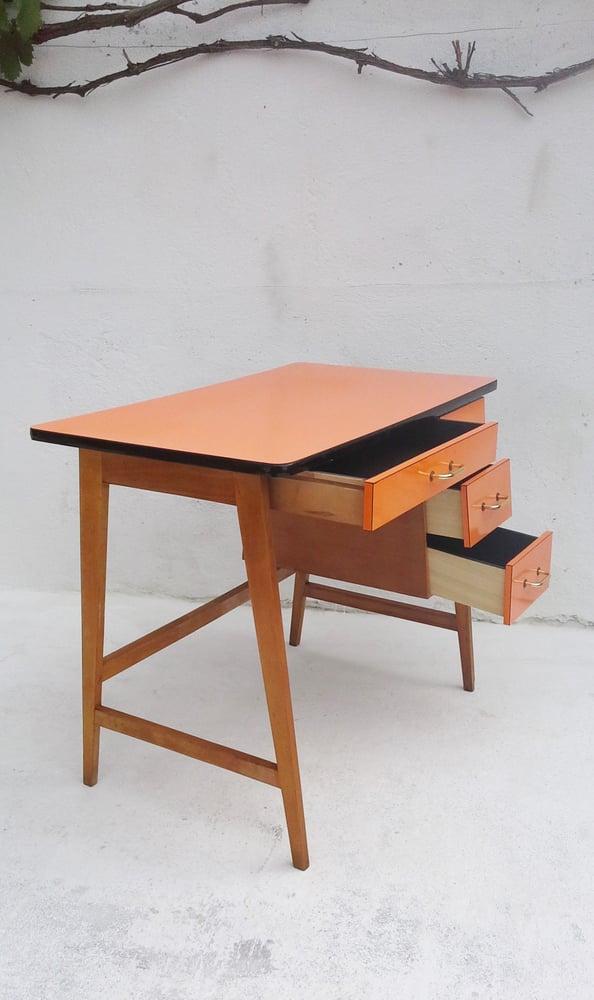 Image of Bureau enfant en formica - 1970