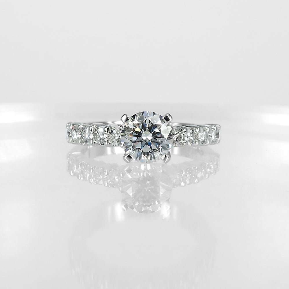 Image of PJ4805 Diamond engagement ring with claw set shoulders