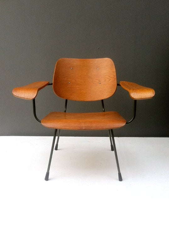 Image of Bent Ply Lounge Chair by Pilastro