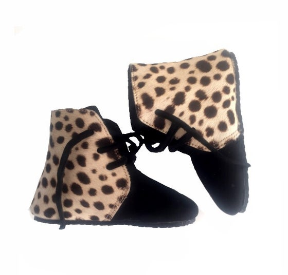 Image of Snow Leopard Boot - laces