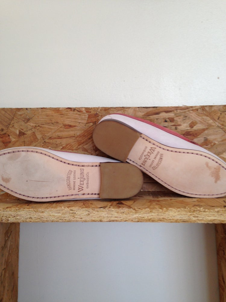 fad02e99f1c LADIES DEADSTOCK BASS WEEJUNS PINK LOAFERS. UK 4.5 4 US 6.5 ...