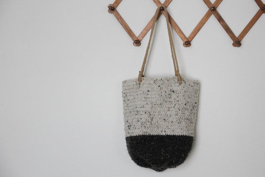Image of Crochet shoulder bag