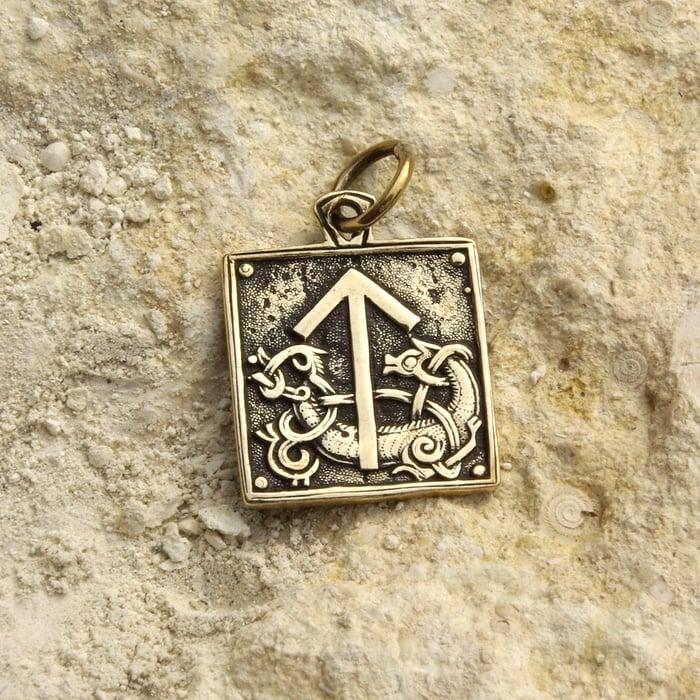 Teiwaz Rune