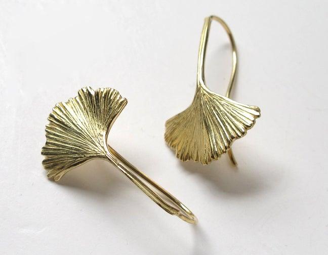 Image of Ginkgo Leaf Earrings 18k Gold