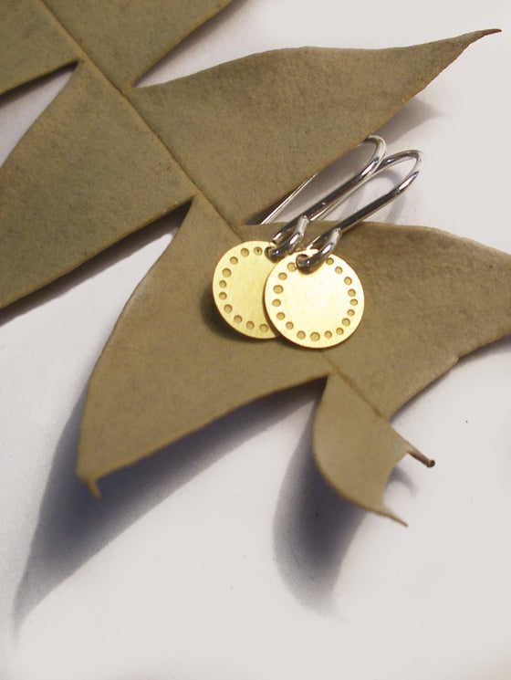 Image of DOT EARRING: BLOSSOM (BRASS)