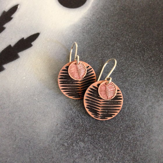 Image of MOON DOT EARRING: FROND WATTLE BLACK (COPPER)