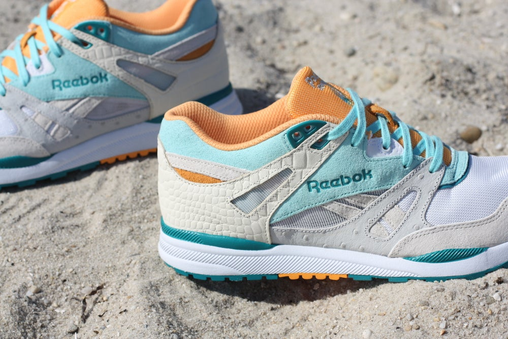 "Image of REEBOK VENTILATOR X PACKERS SHOES ""4 SEASONS"" (SUMMER)"