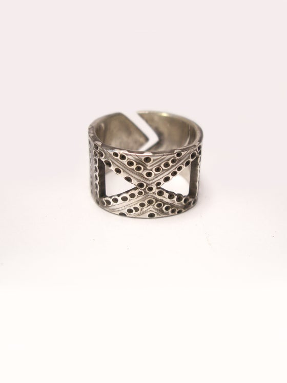 Image of BAND 12 RING: INFINITY + HIVE (STERLING SILVER)