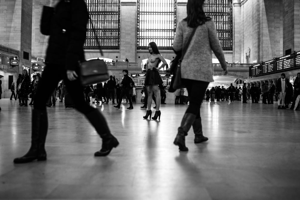 Image of Sarina Thai in Grand Central 2015 [STG001-015]