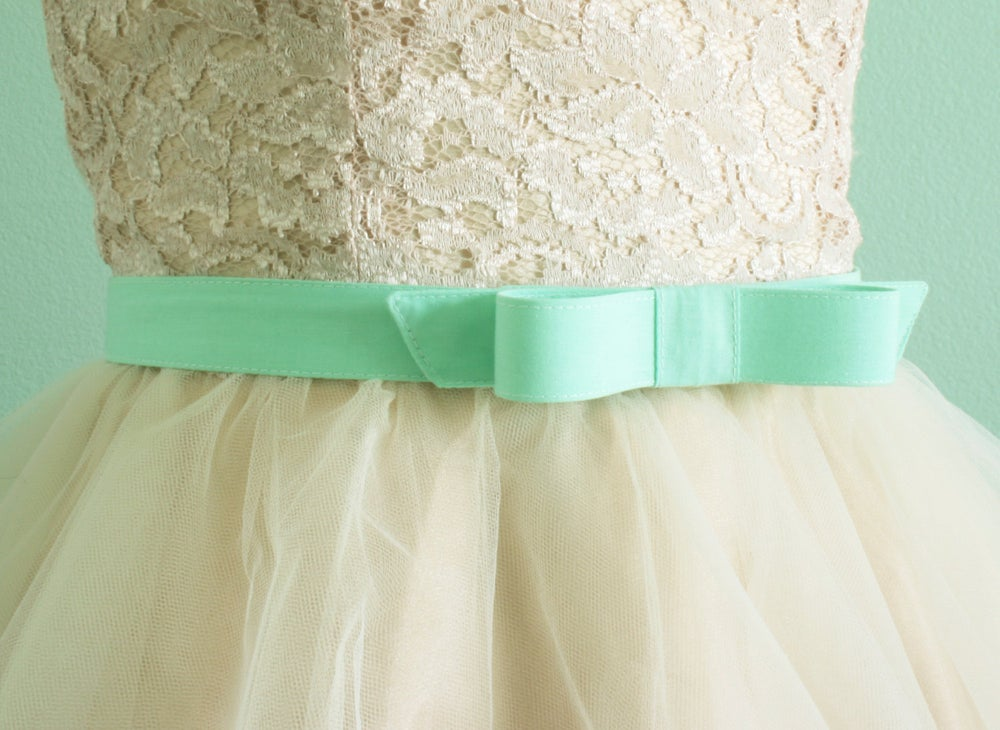 Image of mint bow belt