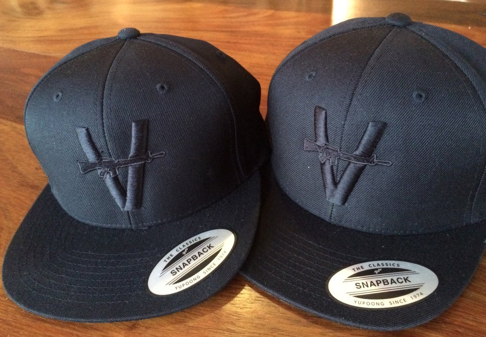 "Image of Monochrome Snapback ""Puff the Magic Vandals Hat"""