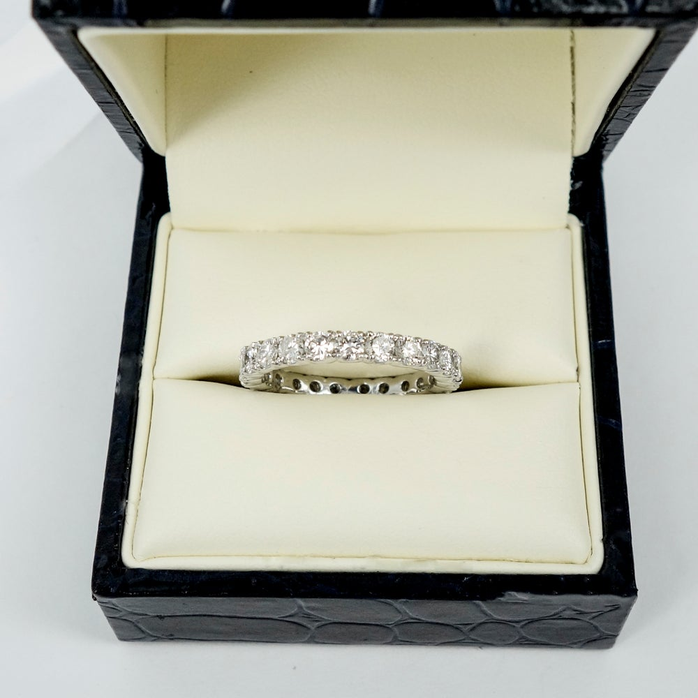 Image of PJ3762 18ct white gold full circle diamond ring