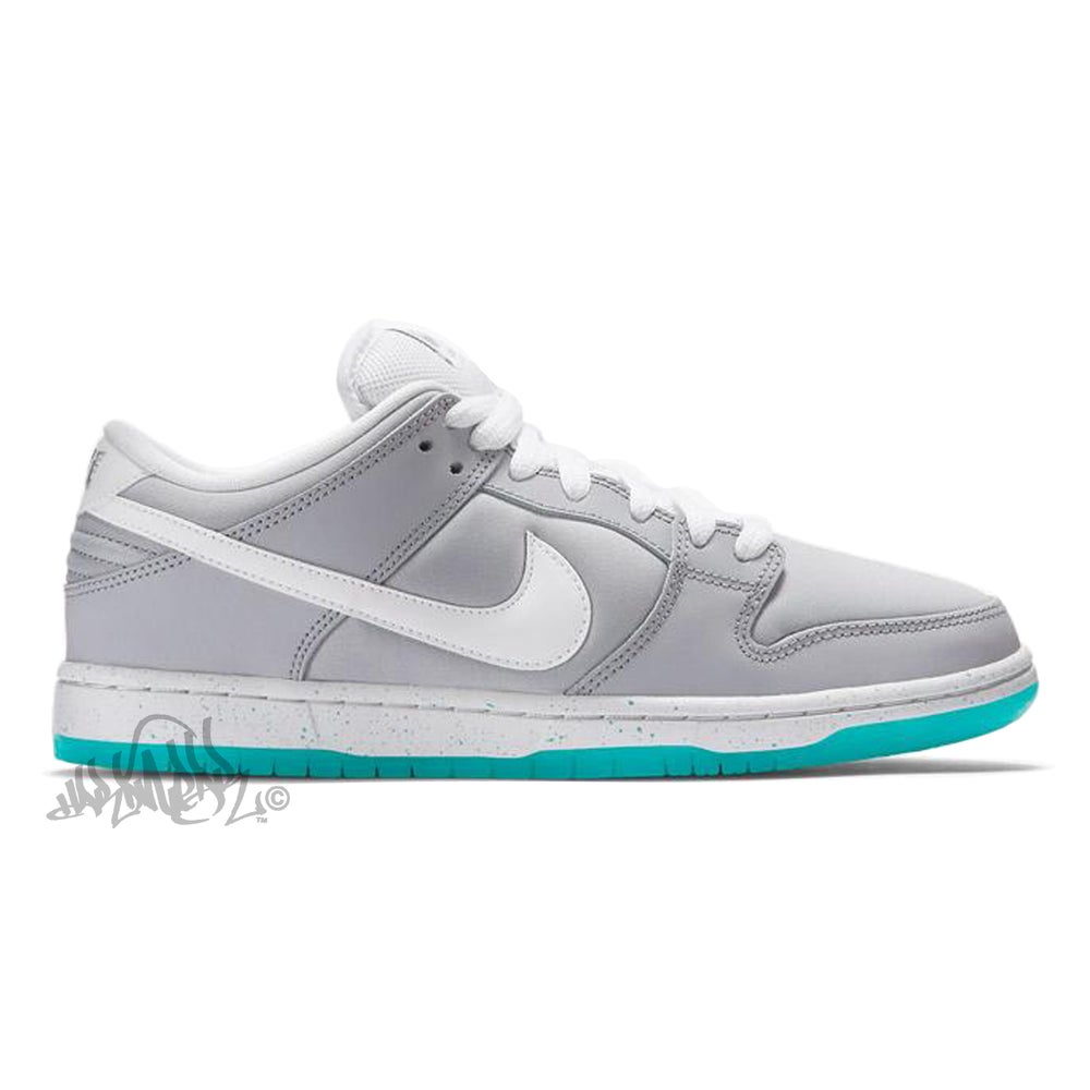 Image of NIKE SB DUNK LOW PREM - McFLY / AIR MAG - 313170 022