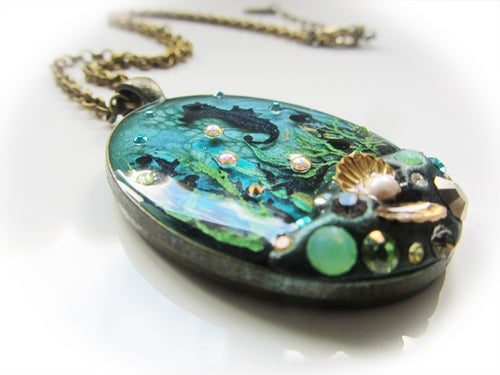 Image of Rock Pool Oval Pendant