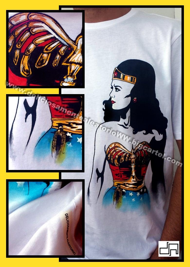 Image of Wonder Woman (medio cuerpo) / Wonder Woman (half body)