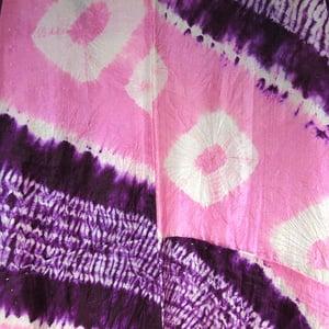 Image of Rosa og lilla shibori silke kimono