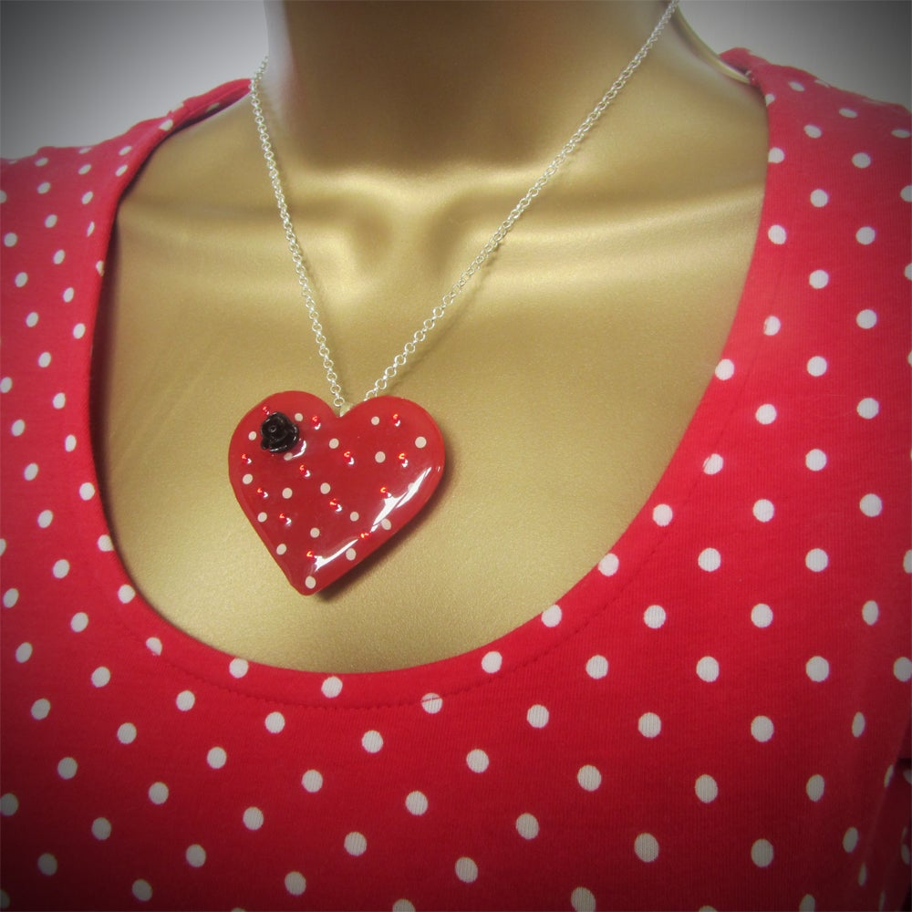 Red & White Spot Retro Heart Pendant