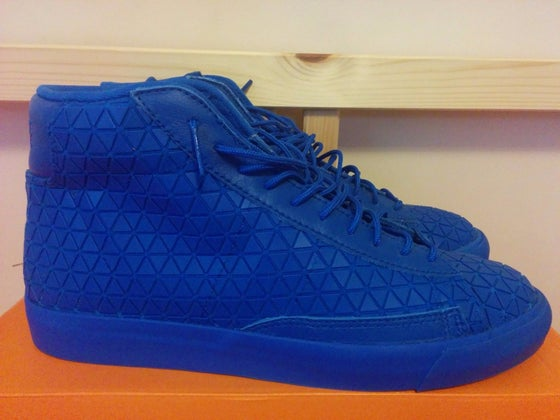 Image of Nike Blazer Mid Metric QS Size 9 Royal Blue