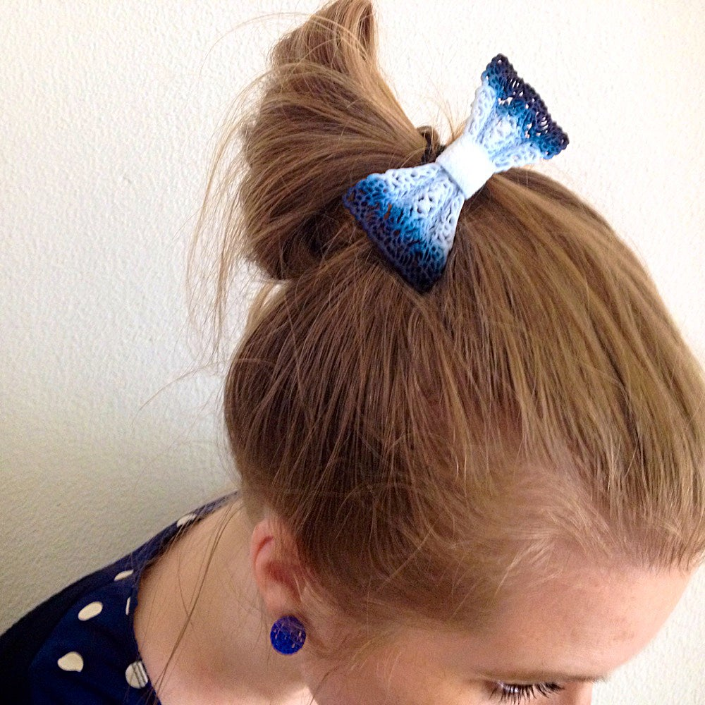Image of 3D printed bow tie / hair accessory Delft Blue