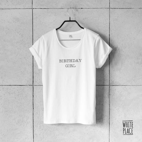 Zdjęcie przedstawia koszulka / birthday girl