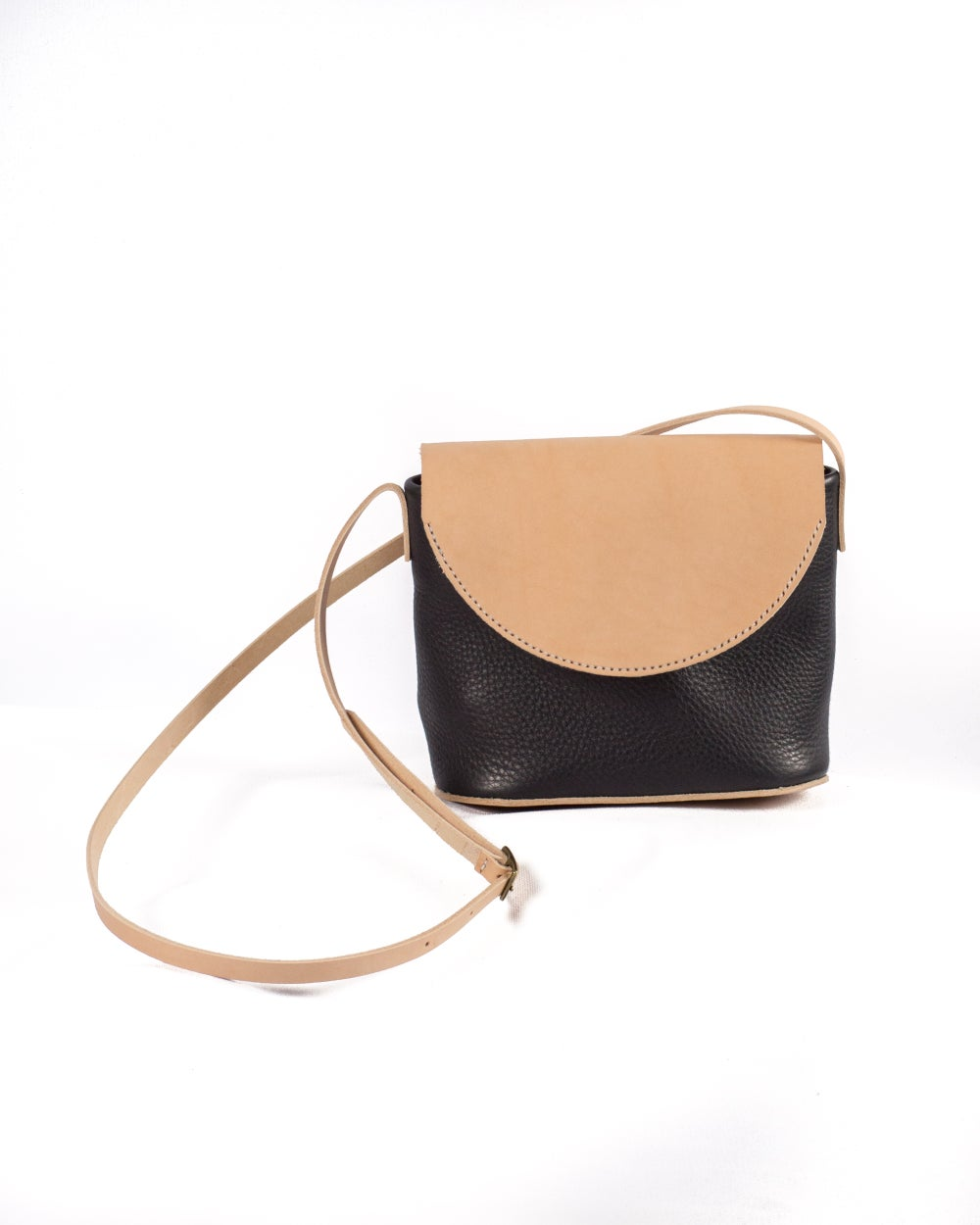 Image of Flap Crossbody in Black