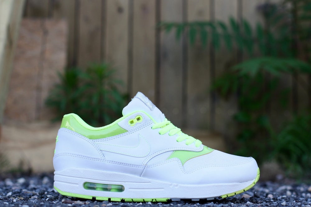 "Image of NIKE AIR MAX 1 ""VOLT"" 308866-114"