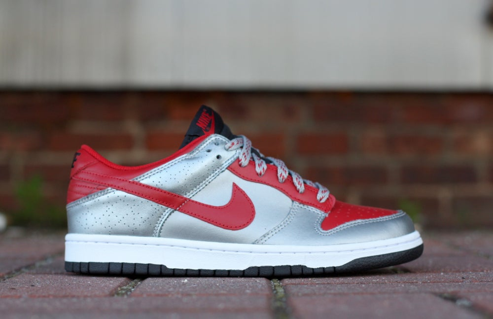 Image of NIKE DUNK LOW VARSITY RED METALLIC 318019-661