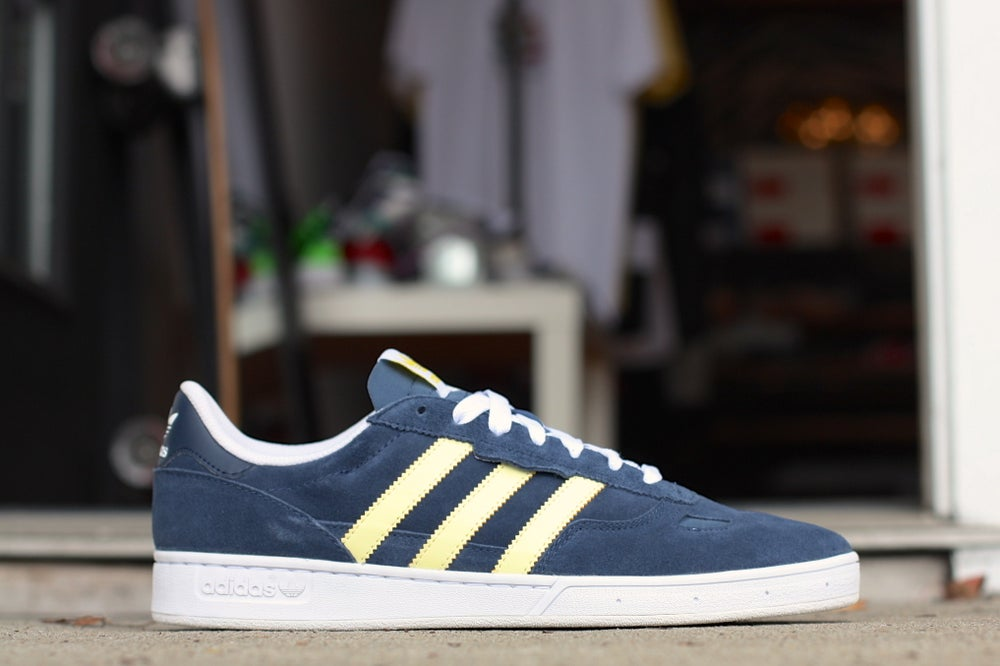 Image of ADIDAS CIERO SKATE NAVY / LIGHT YELLOW