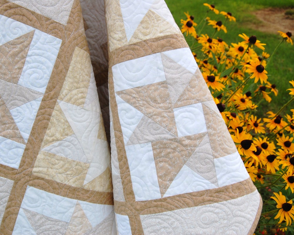 Image of Vanilla Swirls Quilt
