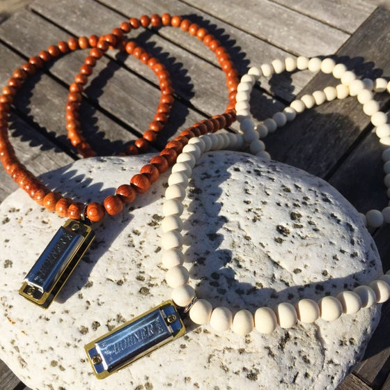 Image of Harmonica Mala