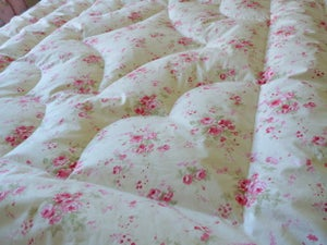 Image of Gorgeous Demelza Pink Clusters Eiderdown