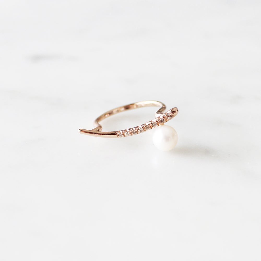 Image of Dewy Orchid Pearl Ring