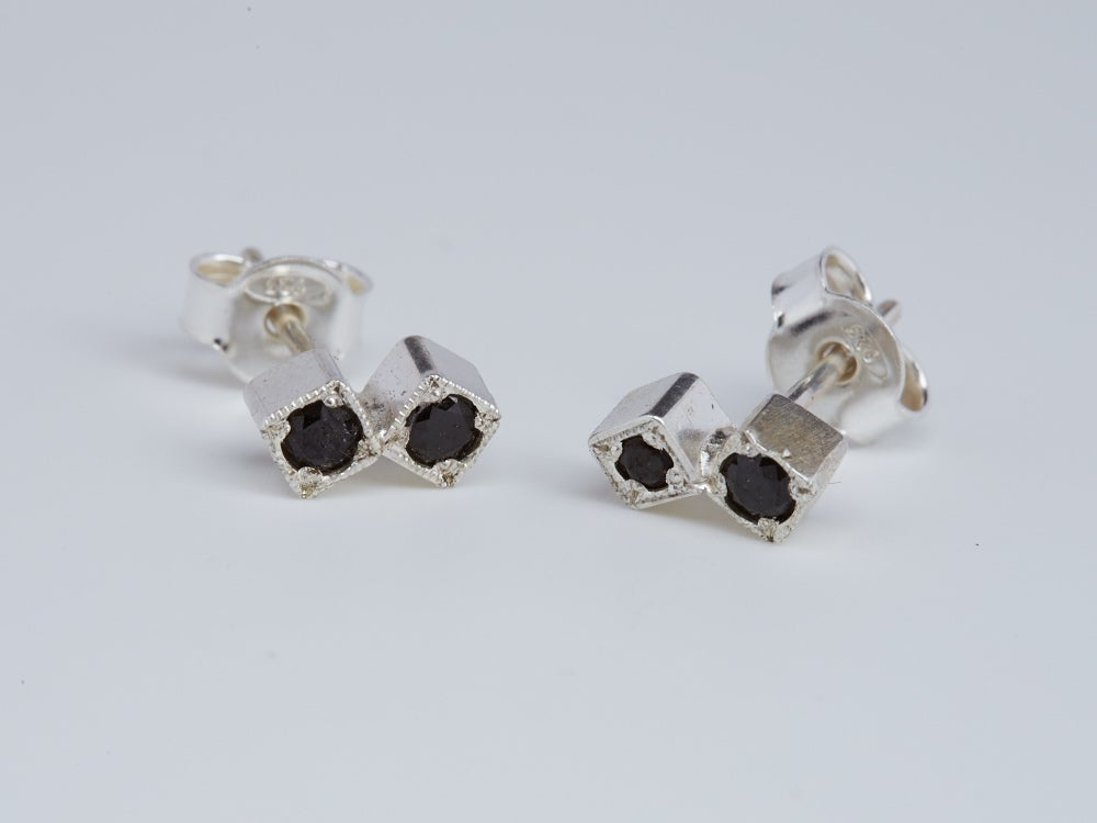 Image of Two Vs Two Studs with Black Spinels