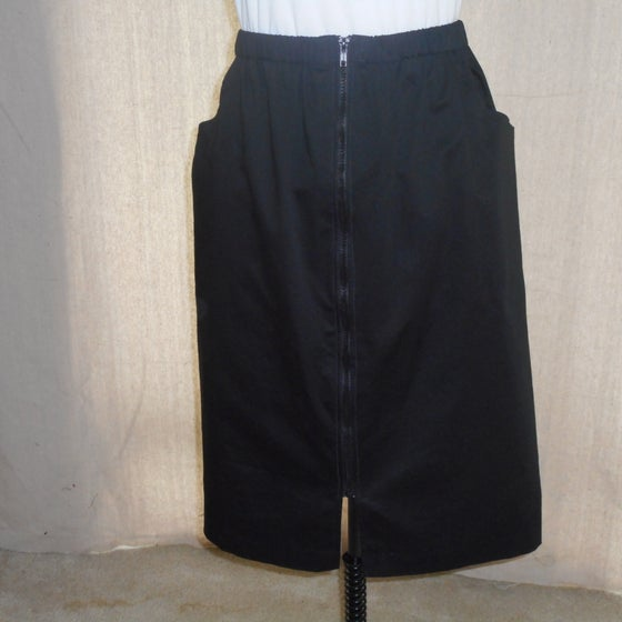 Image of Black Sit 'n'Zip Skirt